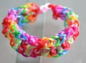Comment faire un joli bracelet en élastiques