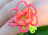 Bague en élastiques «Fleur»